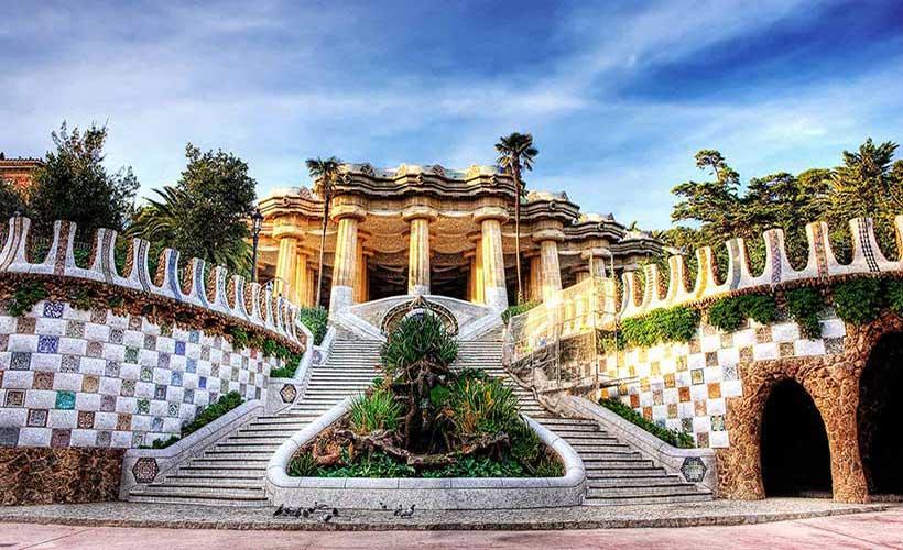 معماری خیال انگیز یک پارک