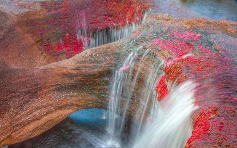رودخانه رنگین کمان زیباترین رودخانه جهان