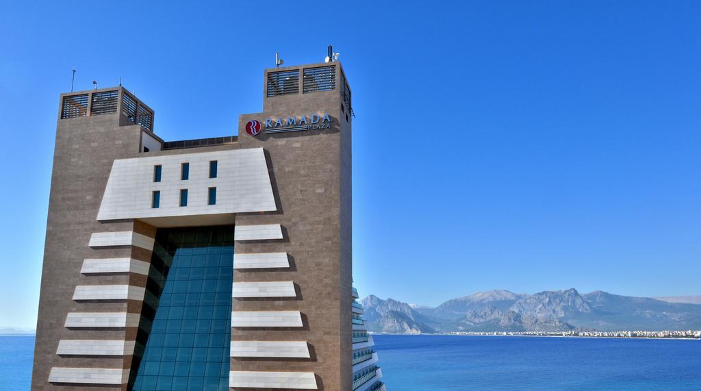 هتل Ramada Plaza آنتالیا