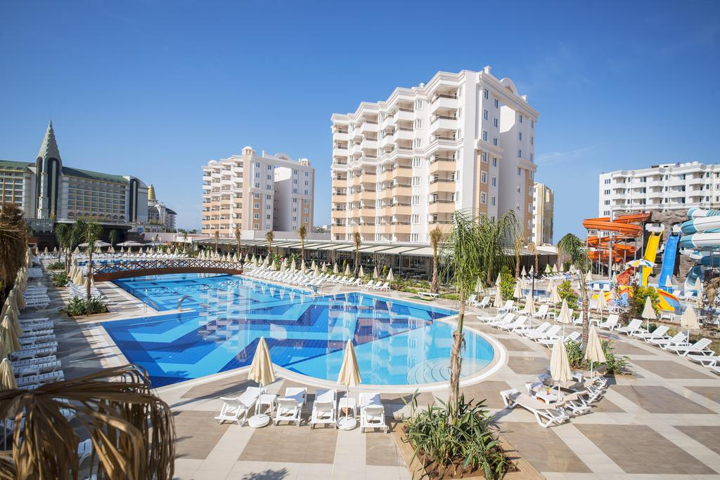 هتل Ramada Resort Lara آنتالیا