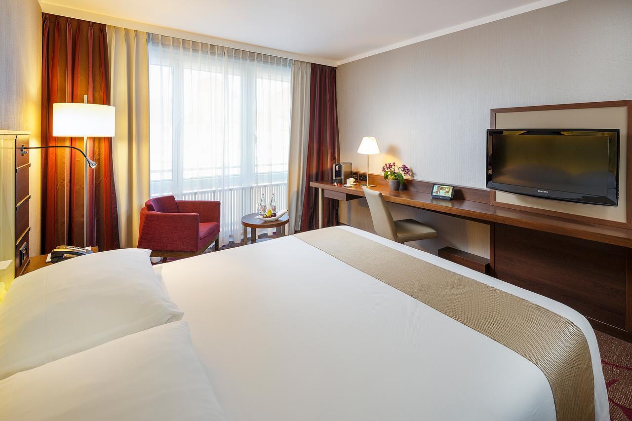 هتل فیفا اسکت