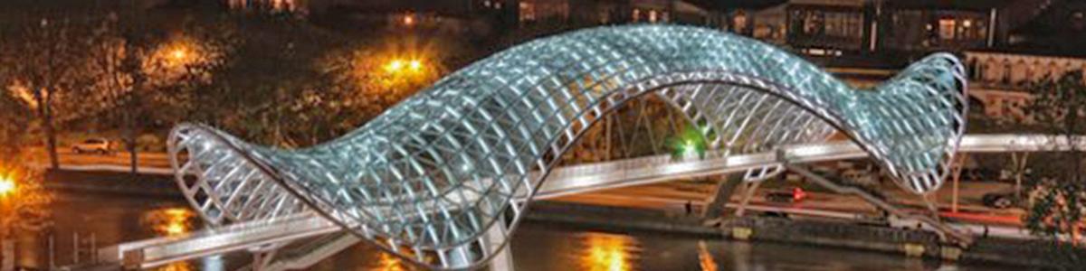 پلی زیبا و مهیج در قلب شهر منحصر به فرد تفلیس