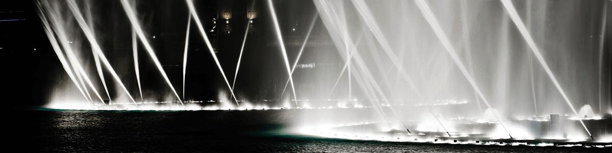 آب نمای دبی آب نمایی زیبا و محبوب در کل شهر است که بازدید از آن کاملا رایگان است