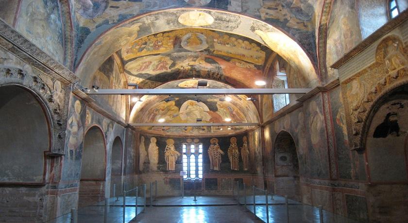 نمایی از راخل کلیسای چورا استانبول
