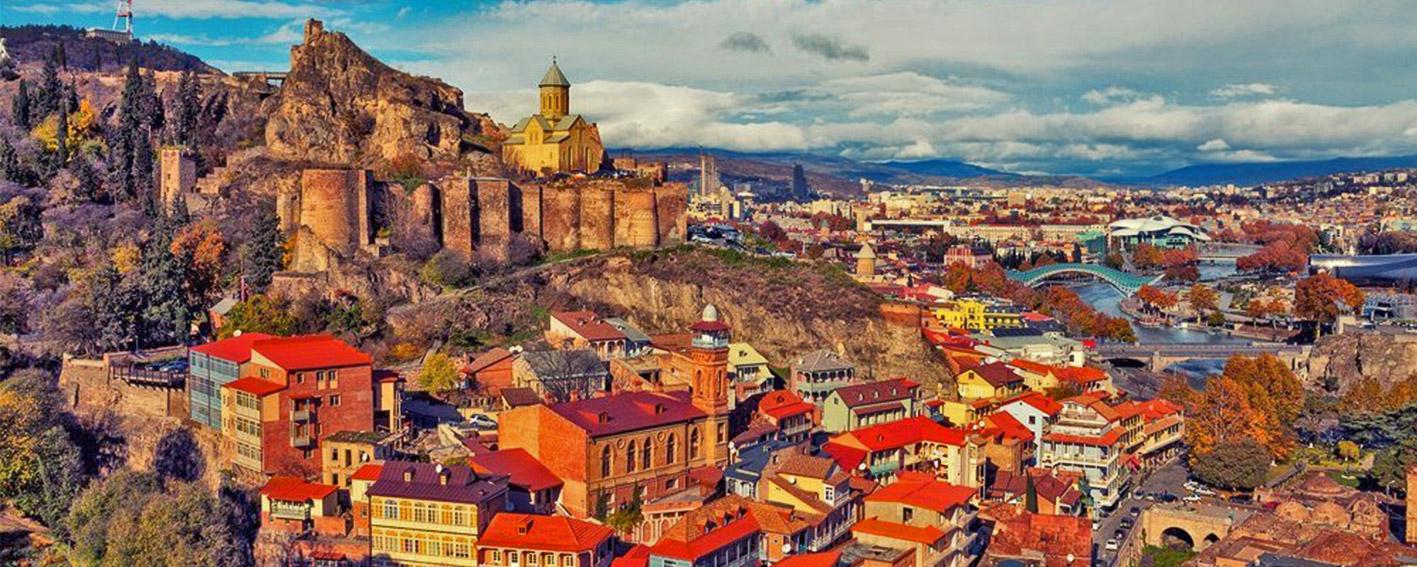 نمایی زیبا از شهر منحصر به فرد تفلیس در گرجستان